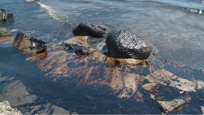 Oil spill cleaning at Portlligat